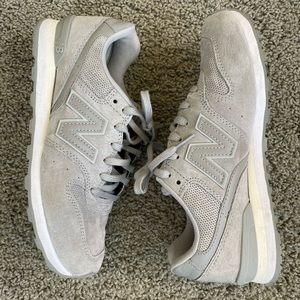 New Balance 696 - grey suede sneakers - 8
